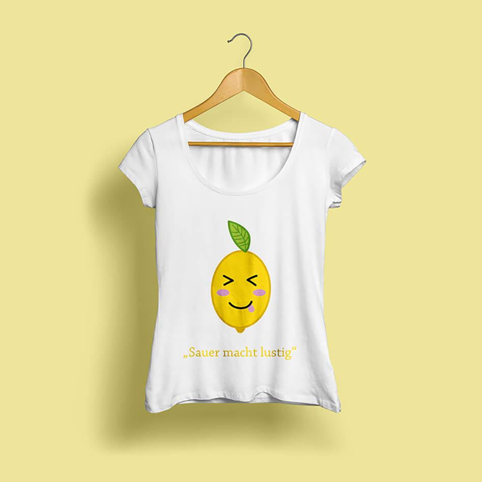 Mockup eines mit einer illustrierten Zitrone bedruckten Shirts